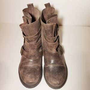 Steve Madden Colony Distressed Leather Bootie